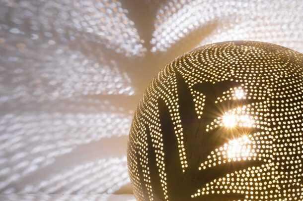 Ball Leaf Lamp Gold